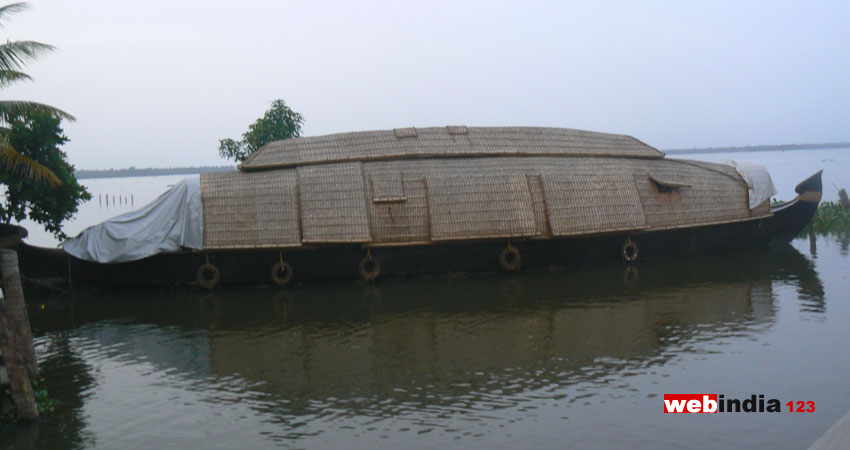 Kottayam Backwater Cruises