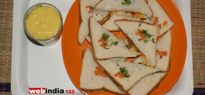 Vegetable masala sandwich and Mango smoothie