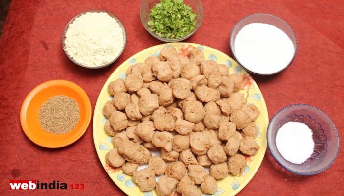 how to make pakora in hindi