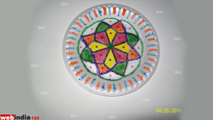 Paper plate decoration