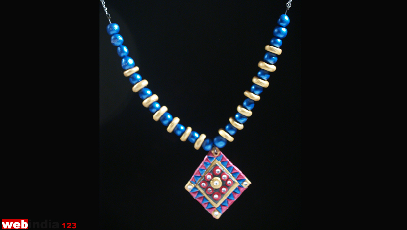 M seal necklacehow to make m seal necklacecraft webindia123 m seal necklace aloadofball Gallery