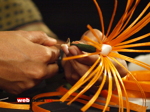 Fish Wire Flower,how to make Fish Wire Flower,Craft - webindia123.com