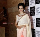Bollywood+actor+Kangana+Ranaut+during+the+Lakme+Fashion+Week+%28LFW%29+Summer%2F+Resort+2014+in+Mumbai%2C+India+on+March+11%2C+2014