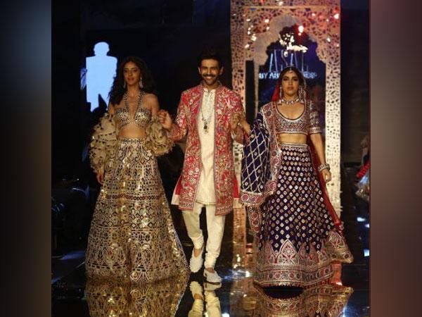 Kartik Aaryan, Bhumi Pednekar, Ananya Panday make head turns as showstoppers