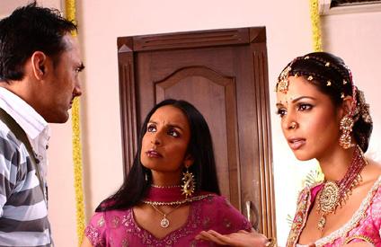 http://www.webindia123.com/movie/stills/pyarki/still1.jpg