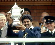 Kapil Dev lifts world cup for India