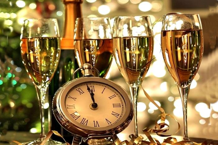 4 Party Perfect New Year's Eve Drinks