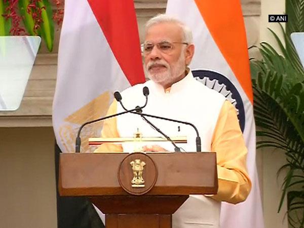 5 Hurdles to Modi's push for cashless economy