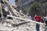 Mexico quake toll rises to 139 (Lead)