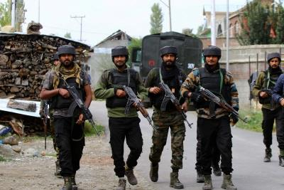 Terrorist involved in shooting J&K cop killed in Srinagar encounter (Lead)